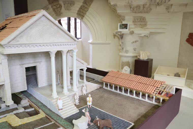 Maquette temple gallo-romain Ribemont-sur-Ancre
